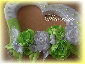 Dekorácie - Svadobné srdiečko zelené na dvere - 7980855_