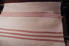 - Tkané koberce biele s ružovými pásikmi  - 7984532_