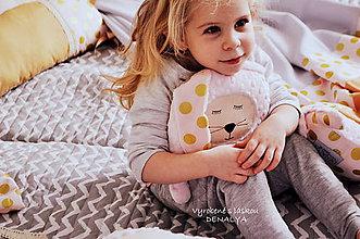 Hračky - Zajko s hrkálkou a hrýzatkom kolekcia GOLD - 7988651_