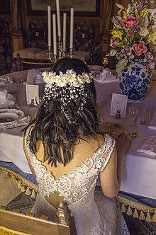 Ozdoby do vlasov - Kvetinový štvrťvenček s perličkami - 7984728_
