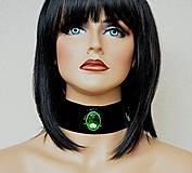 Náhrdelníky - Choker náhrdelník zo zeleným kabošonom - 7987450_