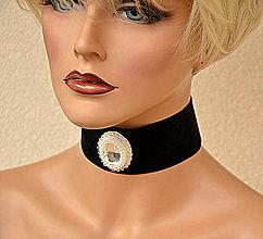 Náhrdelníky - Choker náhrdelník s kryštáľovým kabošonom - 7987326_