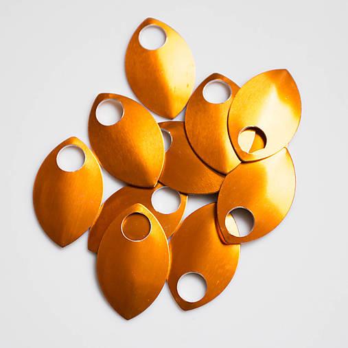 Šupiny velké oranžové 10 ks
