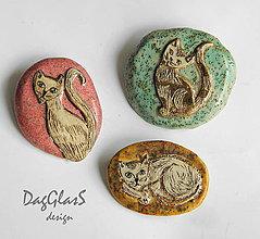 Odznaky/Brošne - Originálna keramická brošňa ...Mačky... - 8000625_