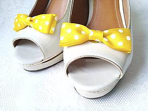 Obuv - Pin Up klipy na topánky (žlté/biele bodky) - 8004333_