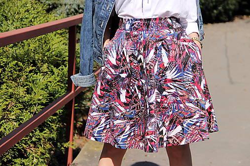 Kruhová sukňa - vzorovaná