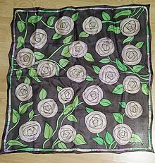 Šatky - čajové ruže v noci - 8010776_