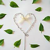 Dekorácie - svadobné srdiečko zápich s perličkami - 8012246_