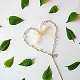 Dekorácie - svadobné srdiečko zápich s perličkami - 8012248_