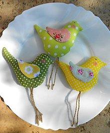 Dekorácie - Vtáčik letáčik s farebnými krídelkami - 8011453_