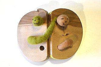 Hračky - Hračka drevené jabĺčko s červíkom žlté... - 8016431_