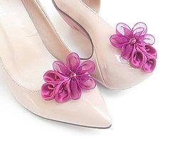 Obuv - Fuchsiové kvetinkové klipy na topánky - 8015281_