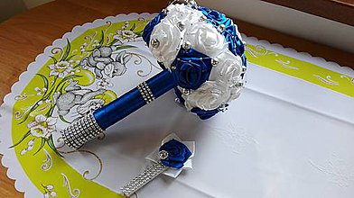 Kytice pre nevestu - Saténova kytica modra +pierko pre ženícha - 8019927_