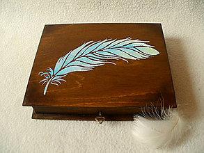 Krabičky - Drevená krabička Pierko - 8020666_