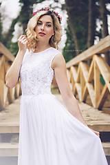 Šaty - Svadobné šaty s transparentným živôtikom vyšívaným aplikáciami - 8020494_
