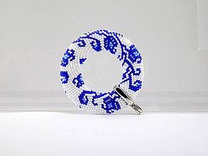Náhrdelníky - Háčkovaný prívesok Donut Modrá ruža - 8025246_