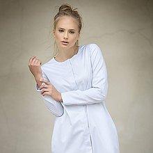 Šaty - Světle šedé košilové šaty s kapsami - 8028274_