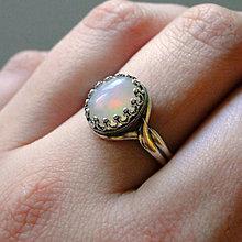Prstene - Ethiopian Opal & Silver Ag 925 / Strieborný vintage prsteň s pravým etiópskym opálom /0590 - 8029242_