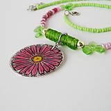 Náhrdelníky - náhrdelník s ružovou margarétkou - 8029995_