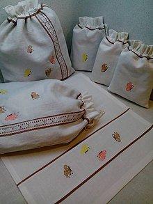 Úžitkový textil - Ľanovo - bavlnený obrúsok s výšivkou - 8032166_