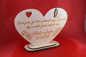 Darčeky pre svadobčanov - Drevene srdiečko ako poďakovanie rodičom 34 - 8032545_
