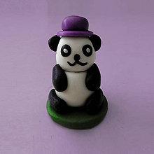 Hračky - Mini panda figúrka (s klobúkom) - 8033533_