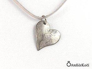 Náhrdelníky - Originální přívěsek z damasteelu ve tvaru srdce - 8035362_