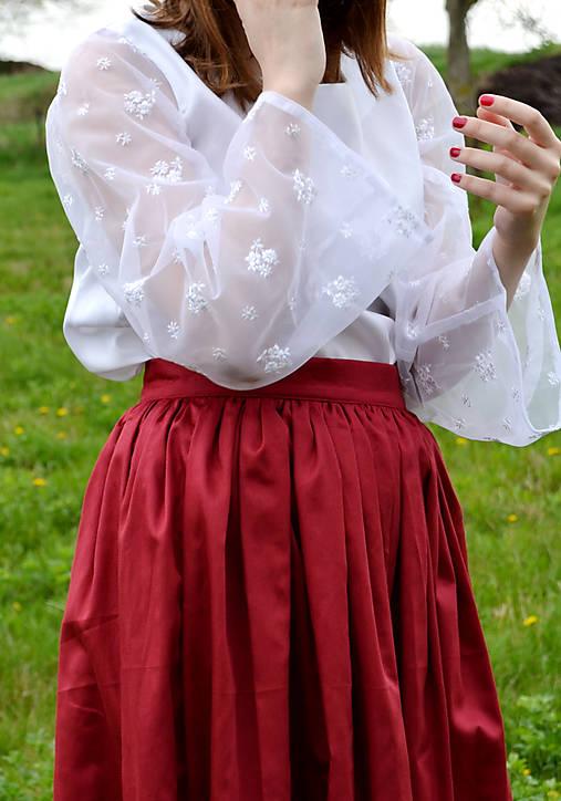 Biely top s transparentnými rukávmi