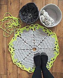 Úžitkový textil - Háčkovaný koberček - 8044031_