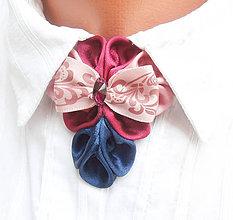 Náhrdelníky - Elegancia a la Chanel - ružovo-modrý náhrdelník s folkovou mašľou - 8044102_