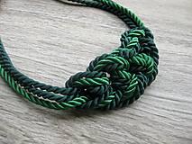 Náhrdelníky - Uzlový náhrdelník z troch šnúr (zelený hrubší č. 1969) - 8045551_