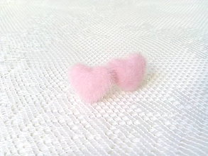 Náušnice - Fluffy hearts earrings (light pink) - 8049766_