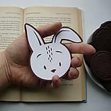 Zajko do knižky...