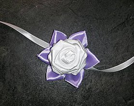 Pierka - Náramok pre družičku fialový kvet s bielou ružou - 8056014_