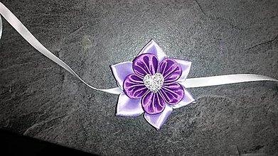 Pierka - Náramok pre družičku fialový kvet so srdiečkom - 8056037_