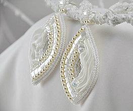 Náušnice - Svadobné náušnice, hodvábne, biele - 8054118_