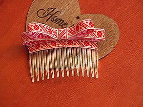 Ozdoby do vlasov - Folklórny hrebeň s červeným vzorom - 8058607_