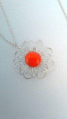 Náhrdelníky - Prívesok oranžový kvet - 8061419_