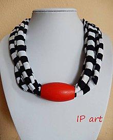 Náhrdelníky - Čiernobielý náhrdelník s červenou - 8064982_