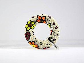 Náhrdelníky - Háčkovaný prívesok Donut kvety - 8063022_