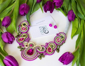 Náhrdelníky - V čerešňovom sade - fialovo zelený náhrdelník - 8065943_