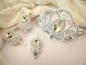 Sady šperkov - bielo strieborný svadobný šujtáš set - korunka, náušnice, prívesok - 8068385_