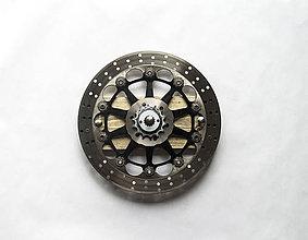 Iné - Kovový vešiak pre motorkára - 8065755_