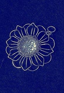 Náhrdelníky - Prívesok stieborný kvet - 8068017_