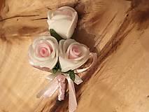 svadobné pierko ružovo-biele ruže