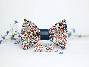 Doplnky - Pánsky exkluzívny set - kvetinový motýlik s manžetovými gombíkmi - 8071827_