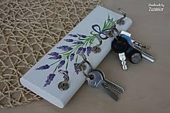Nábytok - Vešiak na kľúče levanduľa - 8071159_