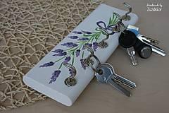 Nábytok - Vešiak na kľúče levanduľa - 8071161_