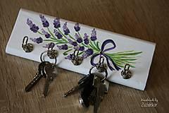 Nábytok - Vešiak na kľúče levanduľa - 8071164_