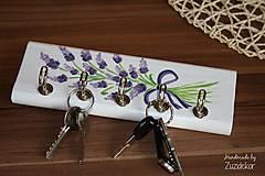 Nábytok - Vešiak na kľúče levanduľa - 8071166_